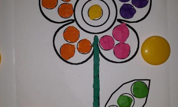 Kolorowe kwiatki – praca z plasteliną