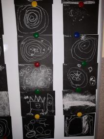 Kosmos kredą rysowany Dzień Kosmosu Dzień Lotnictwa i Kosmonautyki Małgorzata Wojkowska Prace plastyczne Prace plastyczne (Dzień Astronomii)
