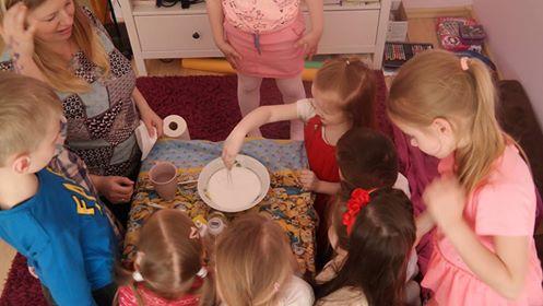 Krochmalowy duszek - eksperyment Aneta Grądzka-Rudziak Prace plastyczne