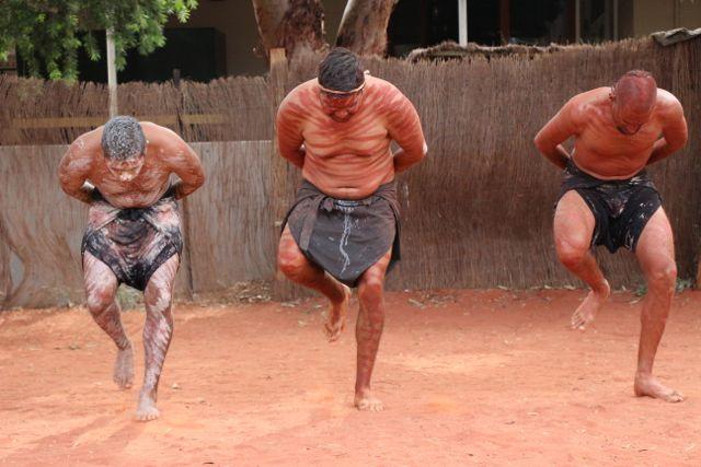Uluru dancers