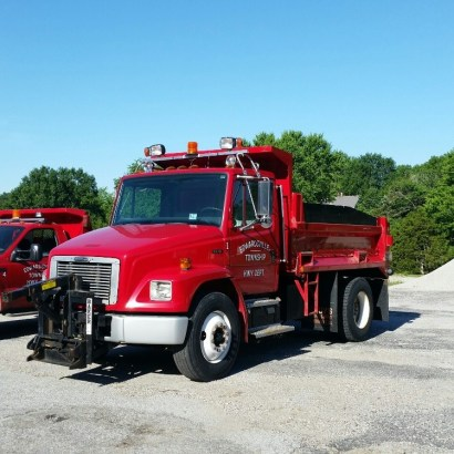 1999 Freightliner FL70 Dump Truck