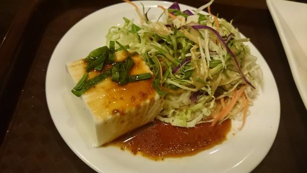 中国料理天祥唐揚げ定食のサラダ