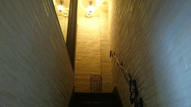 ビストロあじと入り口階段