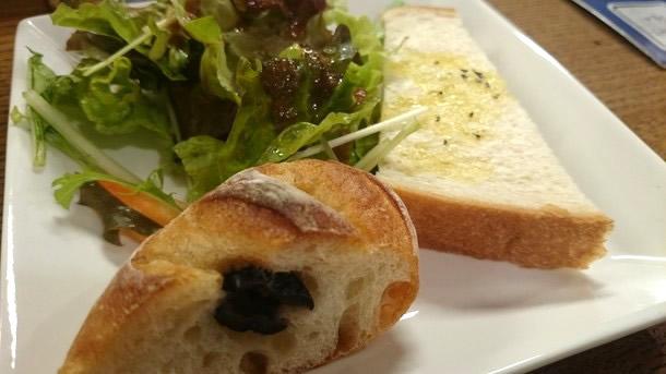 クエロクエラの自家製パン