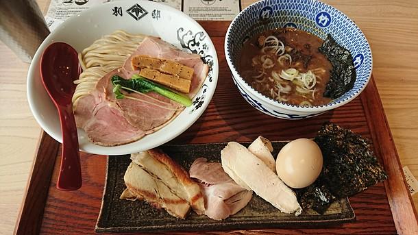 別邸たけ井 特製濃厚鶏豚骨つけ麺
