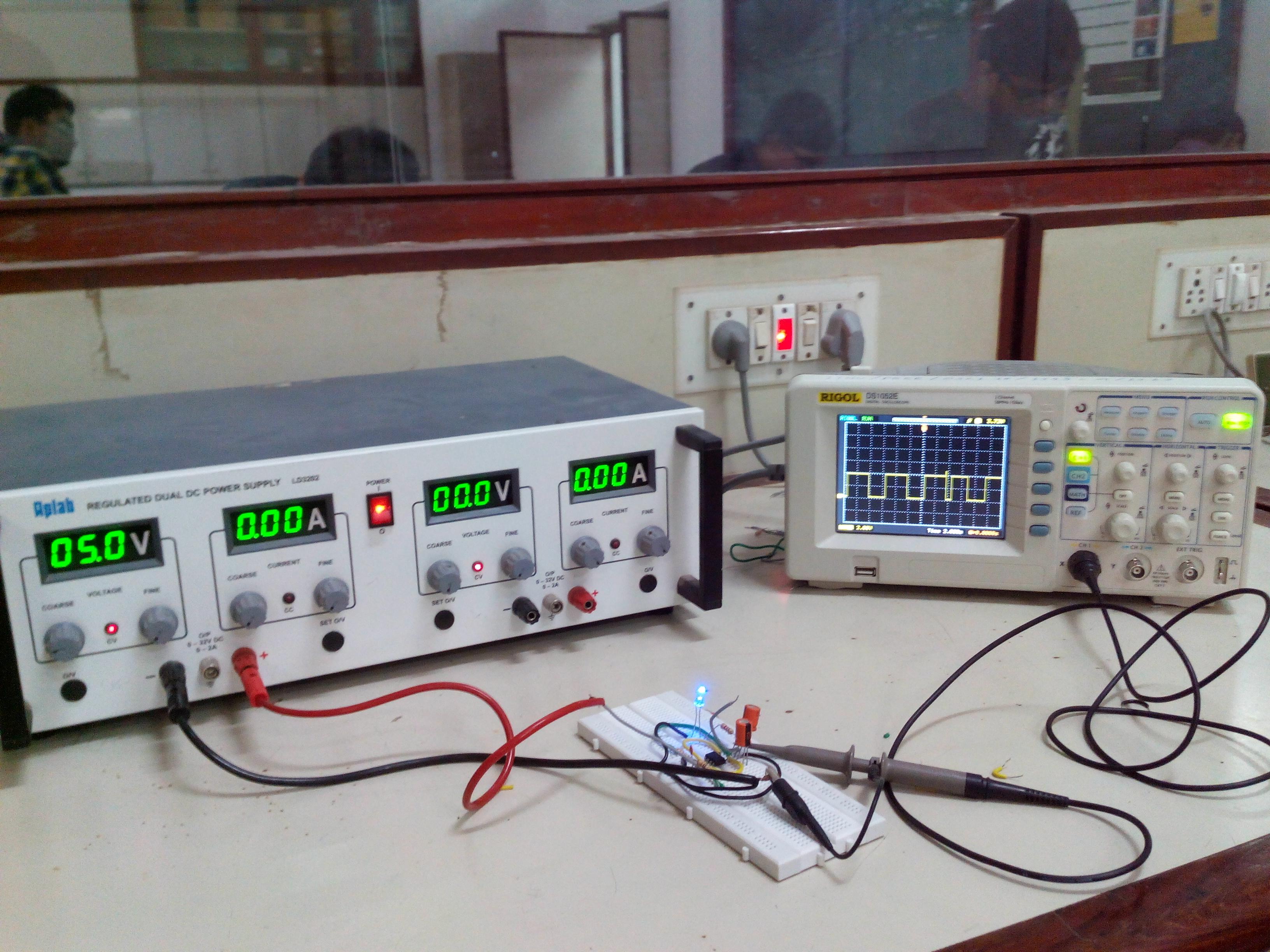 Build A 555 Astable Oscillator Circuit Diagram Electronic Circuit