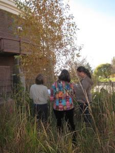 Outdoor conference presentation. Photo by Cirrelsda Snider-Bryan