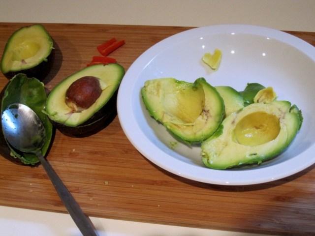 Feesthapje avocado scampi: Avocado's