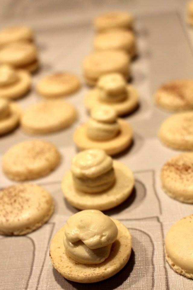 Tiramisu macarons vullen