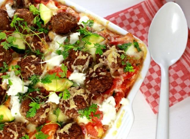 Ovenschotel met spaghetti en gehaktballetjes