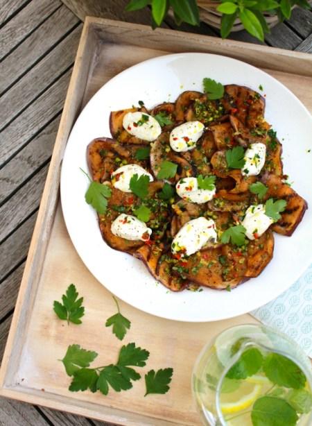 Gegrilde aubergine met labneh / www.eenlepeltjelekkers.be