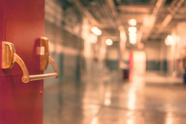 Soome haiglas võeti kinni peenist lehvitanud mees