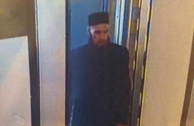 Pildil kujutatud mees andis end ise Peterburis politseile üles