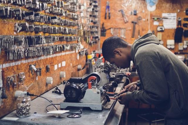 Uuring: Soome tööturul annab selge eelise soome nimi, kõige kehvem on olla somaalia mees