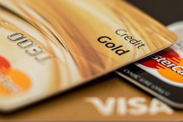 KARM: Soome eestlase krediitkaardiga tehti tehinguid USA-s, inimene ise pole EL-ist väljas käinud