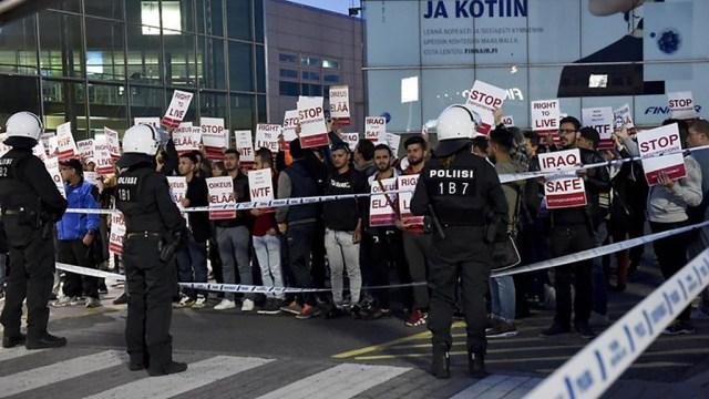 Migrandid avaldasid Helsingi lennujaamas meelt väljasaatmiste vastu