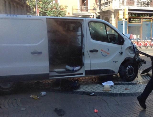 19-aastane soomlane pääses Barcelonas napilt kaubiku otsasõidust