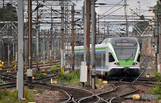Helsingis on seoses õnnetusega rongiliikluse katkestus, A- ja E-rongid ei sõida üldse