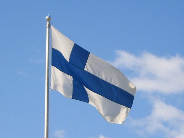 Soome lipp saab esmaspäeval 100-aastaseks, värvid saadi Vene laevastikult