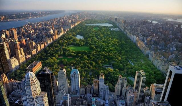 New Yorgis on koroona läbi – maskid visati nurka ja kõik piirangud kaotati