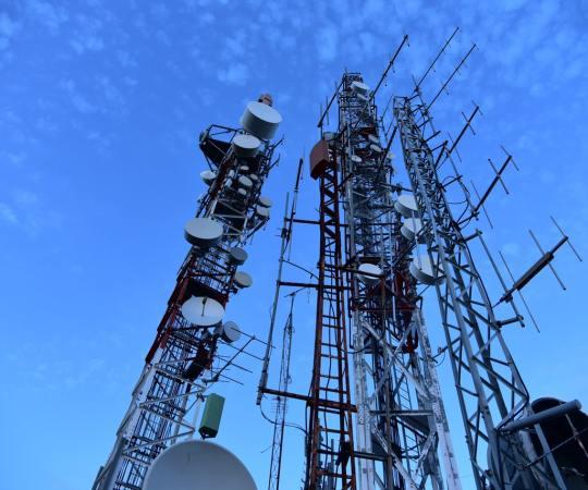 Saksa teadlased hoiatavad Maalt välja saadetavate signaalide eest, kuna see võib kaasa tuua tulnukate rünnaku