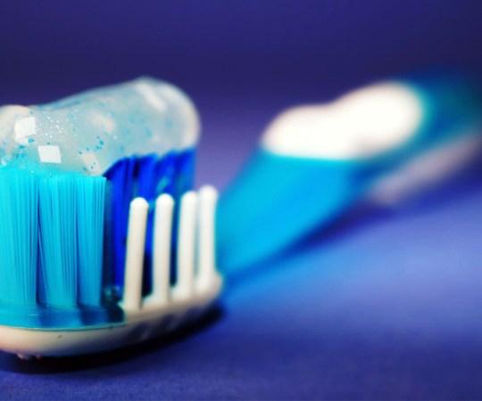 2-aastase lapse hambad olid igemeteni ära lagunenud, ema sai 30 päeva tingimisi vangistust