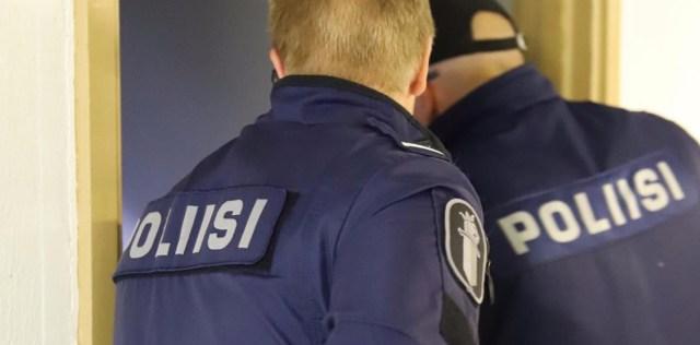 Soomes leiti korterist surnud mees, kolm isikut võeti kinni