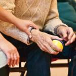 Soomes väheneb kiiresti eakate arv vanadekodudes, suureneb tõhustatud abistamine