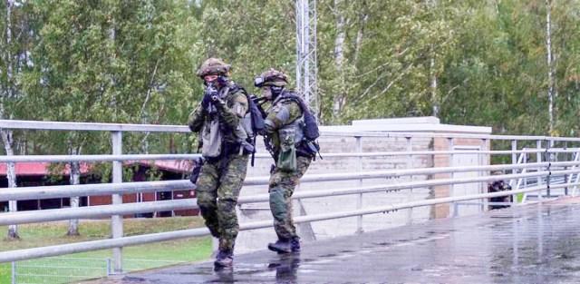 KUUM: Soomes on tulistatud kahte politseinikku, käimas suur operatsioon