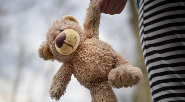 Üle 70-aastane mees meelitas Soomes lapsi kommidega ja õhutas neid oma peenist katsuma