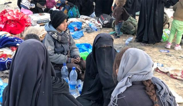ISIS-e laagrist jõudsid Soome 3 naist ja 9 last