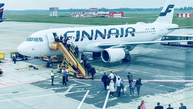 Finnair tõi Soome kuldse hokimeeskonna täna Bratislavast koju