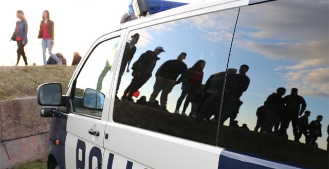KUUM: Helsingis oli noorukite massikaklus, üks sai surma, politsei palub abi