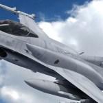 Belgia F-16 hävitaja kukkus elurajooni, piloot jäi elektriliinidesse rippuma