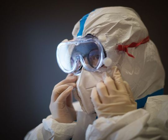 KUUM: Koroona möllab nüüd maailmas hullemini kui varem – päevas üle 100 000 uue nakatumise