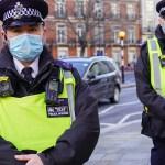 KUUM: Inglismaa piirab koroona uue ohtliku mutatsiooni tõttu sissesõitu igalt poolt, nõuab kõigilt tulijatelt testi