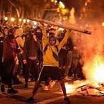 Barcelonas kestab juba nädal aega mäsu, kuna Hispaania kuningakoda naeruvääristanud räppar pandi vangi