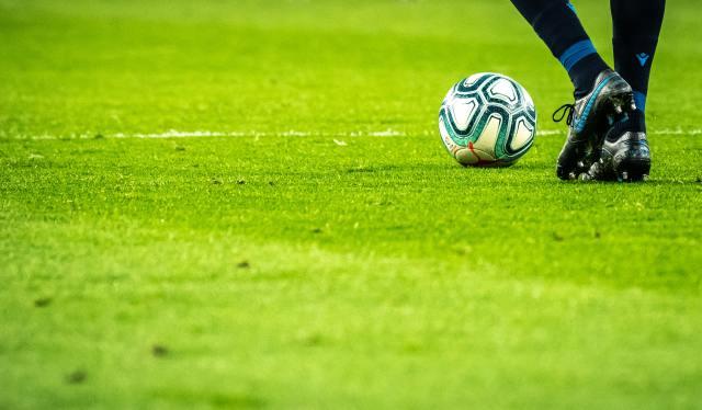 Jalkapallon EM-kisat — faktat pöytään