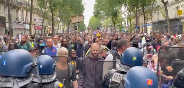 Prantsuse valitsus loobus koroonapassi nõudest pärast seda, kui rahvas mässama hakkas