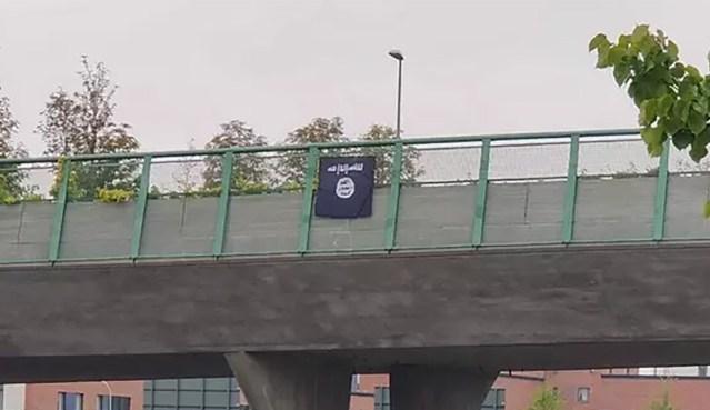 Helsingis lehvis ISIS-e lipp, politsei uurib asja