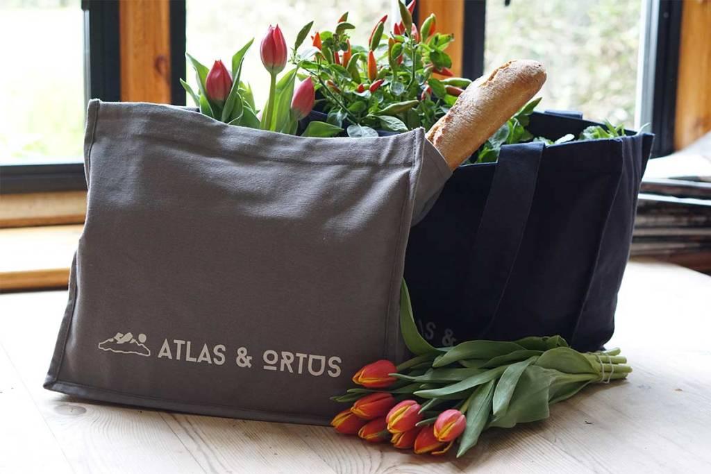 【客製化手提袋】傳達心意與新意,讓你的送禮包裝從一般提袋中脫穎而出,客製化手提袋:公司送禮