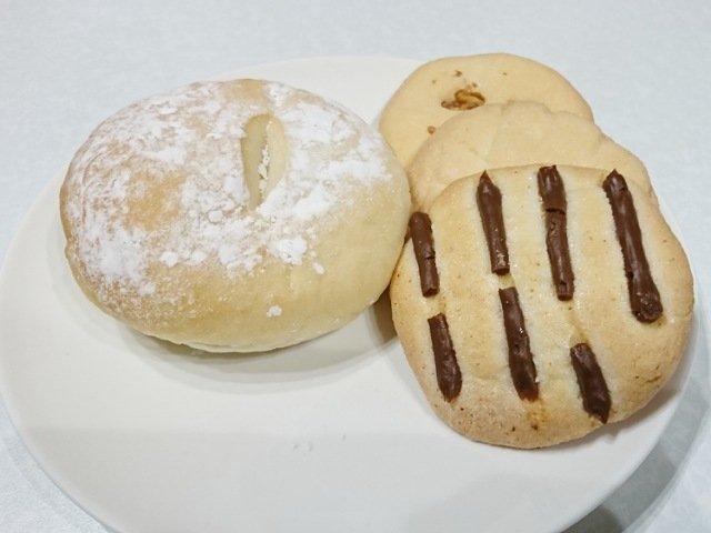 フォンティーヌで買ったパンとクッキー