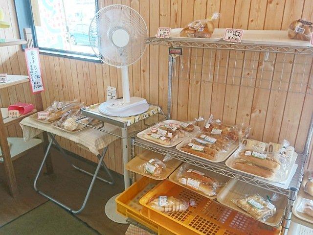 ヤマテパン工場店:パンの種類1
