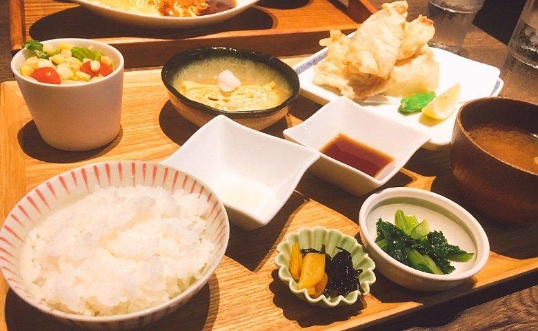 Hata's Kitchen:鶏天定食