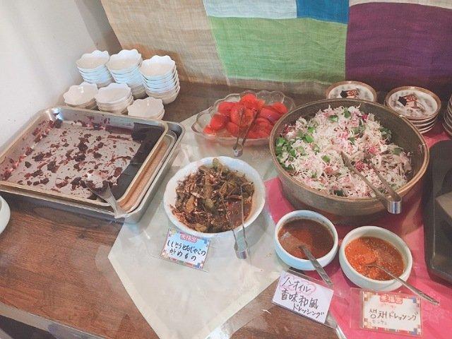 景福宮(キョンボックン)の食べ放題バイキングの料理3