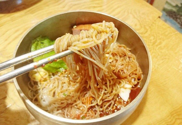 景福宮(キョンボックン)の冷麺2