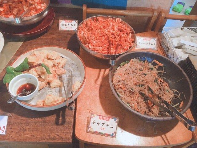 景福宮(キョンボックン)の食べ放題バイキングの料理