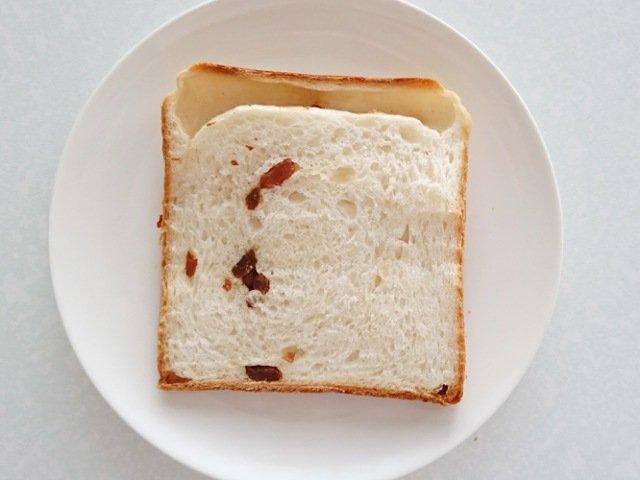 ル・ミトロン高知高須店:レーズン食パンをスライス