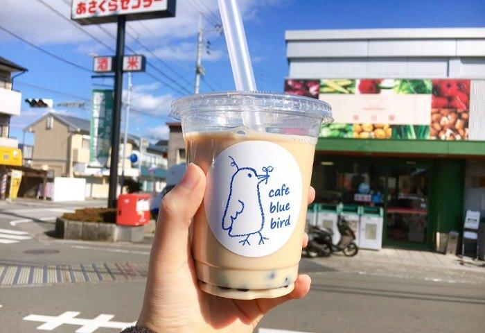 高知で移動販売のタピオカドリンク屋さん「cafe blue bird」:タピオカドリンク