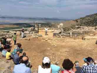 3η ημέρα (06.06.15), ο κ. Α. Κολιάκος απαγγέλει στο αρχαίο θέατρο της Πλευρώνας
